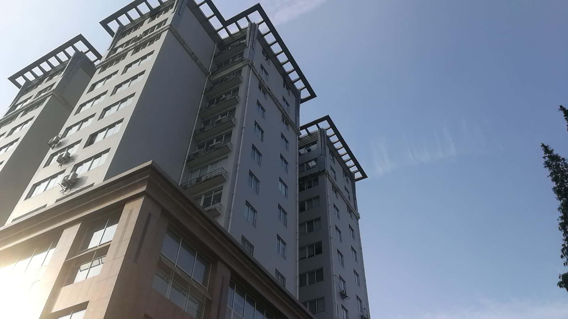 华东大厦瓷砖修补